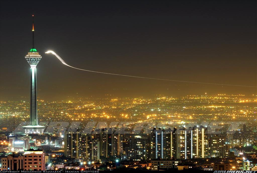 تصویر زیبا برج میلاد تهران در شب