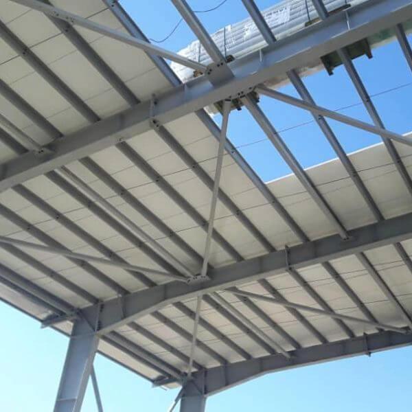 نمایی از سقف سوله شرکت مادیران