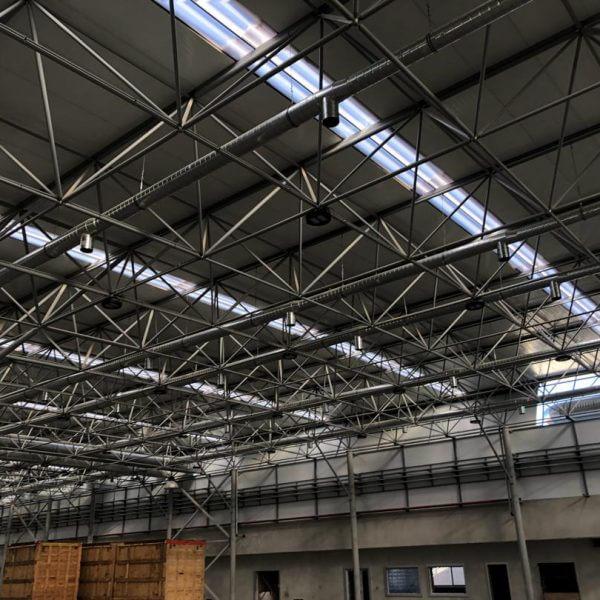 نمایی از سقف سوله شرکت ترام چاپ