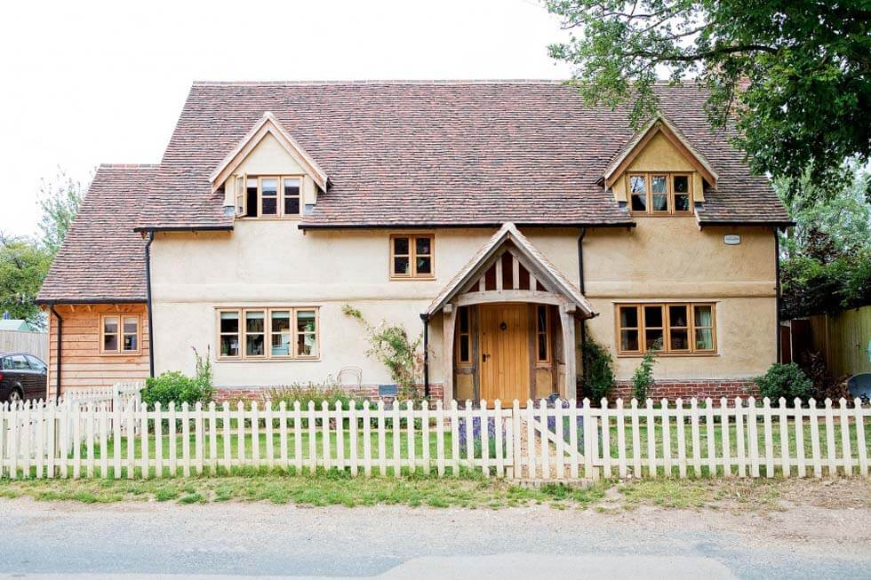 خانه ویلایی ساخته شده با فریم چوب بلوط و ساندویچ پانل سقفی